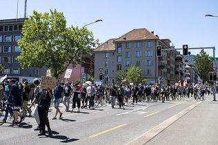 Floyd: un millier de personnes à Zurich et manif avortée à Genève