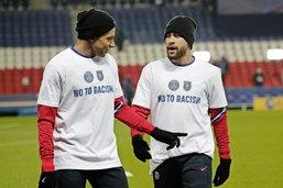 Touche pas à mon footballeur!