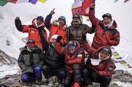 «Les Népalais enfin dans la lumière»