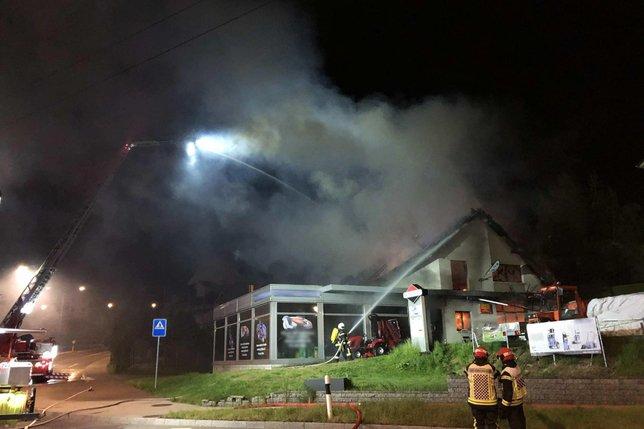 Evacuation préventive après un incendie à Givisiez
