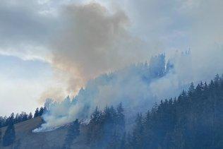 Travaux d'extinction à Crésuz (FR) prolongés jusqu'à samedi matin