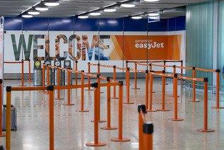 Easyjet s'attend à une lourde perte avant impôt au 1er semestre