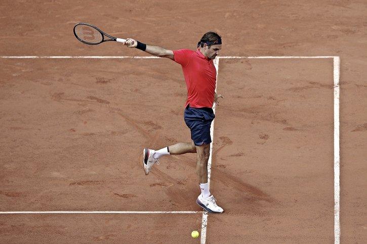 Federer s'en sort en quatre manches