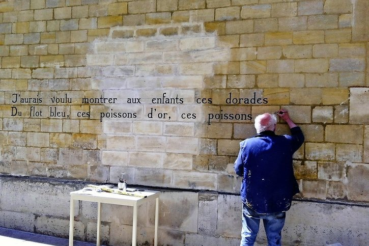 Paris, où les mots courent les rues
