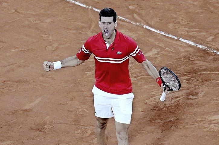 Djokovic rejoint Tsitsipas