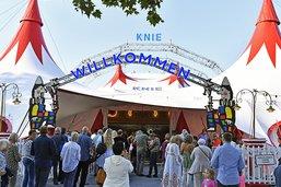 La tournée du cirque Knie lancée par Bastian Baker à Rapperswil