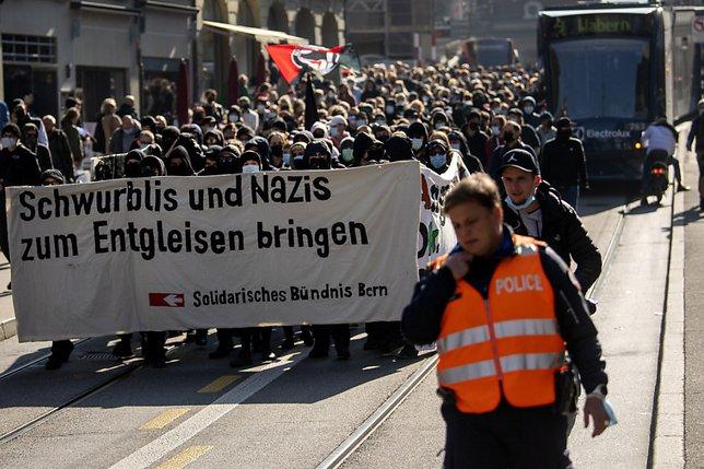 Milliers de manifestants dans des villes suisses samedi