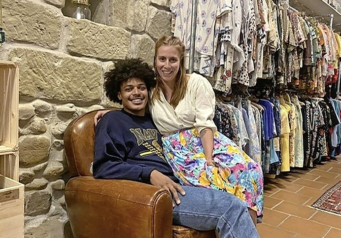 La mode responsable a sa boutique, la Baraque à Fripes
