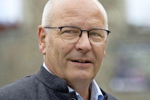 Jean-Pierre Doutaz sort du bois