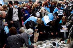 """Argentine: une """"marche des pierres"""" contre le président Fernandez"""