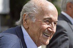 """Blatter ne craint pas un procès, mais n'est pas """"prêt"""" physiquement"""