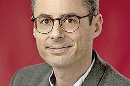 Jean Leclerc passe le micro à Laurent Huguenin-Elie