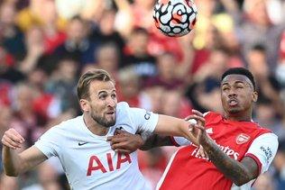 Arsenal gagne, Xhaka blessé